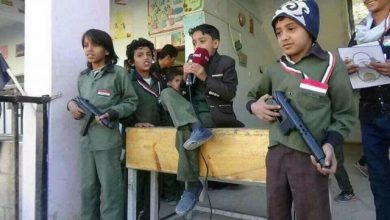 Houthi to impose students to repeat the Iranian-like slogan