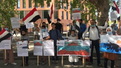 A sit-in organized by Yemeni emigrants calling for resoving the crisis of Safer tanker